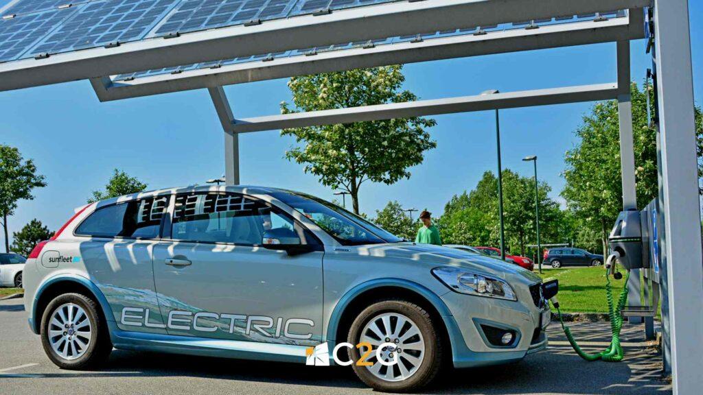 Pensilina fotovoltaica e flotta auto elettriche aziendali - C2G Solar